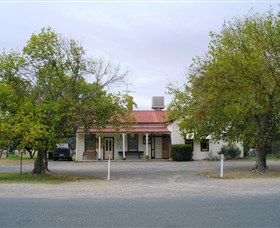 Round Hill Hotel - Geraldton Accommodation