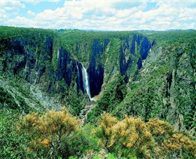 Wollomombi Falls - Geraldton Accommodation