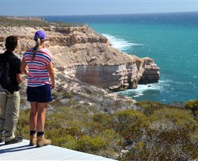 Coastal Cliffs - Geraldton Accommodation