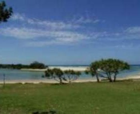 Hastings Point Beach - Geraldton Accommodation