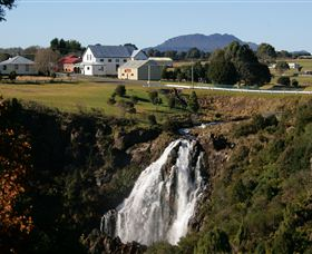 Waratah Falls - Geraldton Accommodation