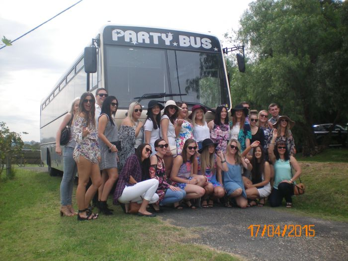 R  R Bus and Leisure Hire - Geraldton Accommodation