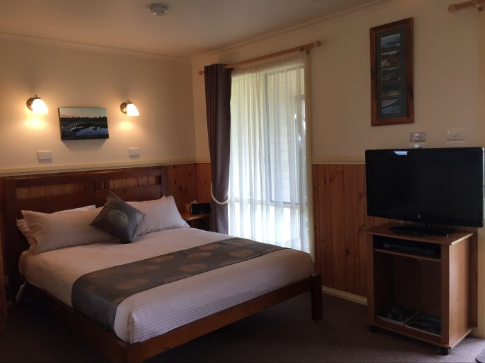 Promhills Cabins - Geraldton Accommodation