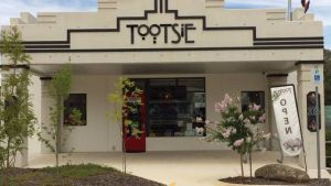 Tootsie Fine Art and Design - Geraldton Accommodation