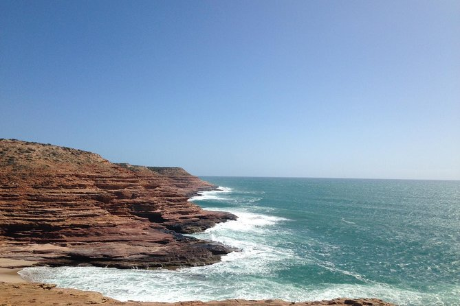 Kalbarri, Pink Lake and Abrolhos Islands Air and Land Tour from Geraldton