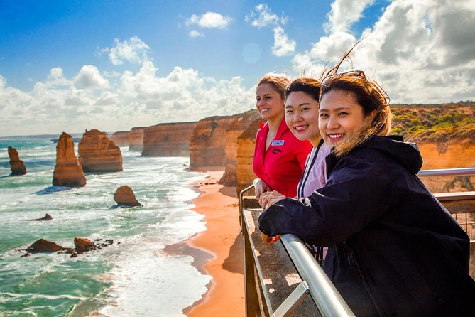 4-Day Melbourne Tour City Sightseeing Great Ocean Road and Phillip Island - Geraldton Accommodation