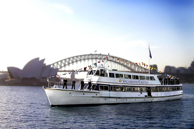 Christmas Day Lunch Cruise on Sydney Harbour