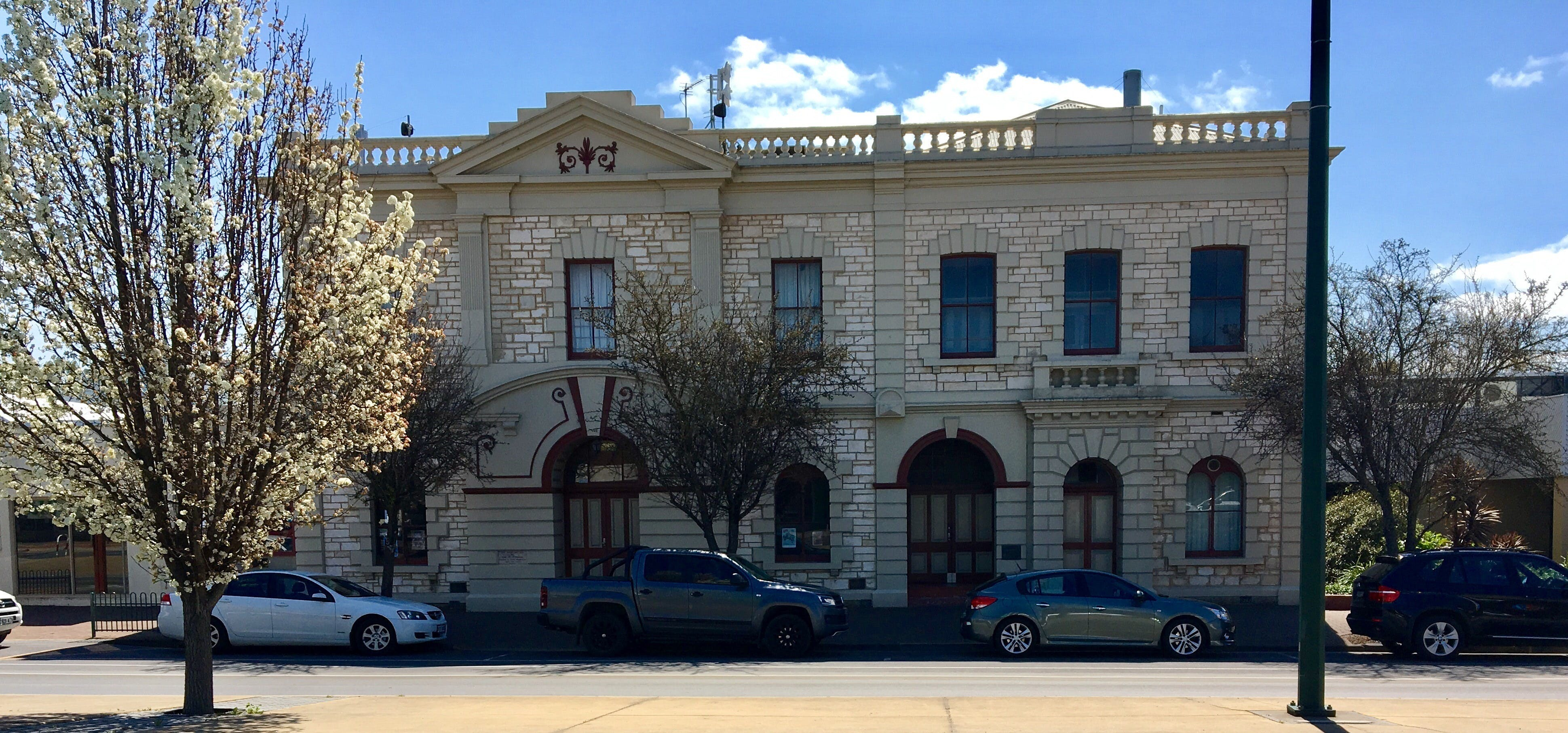 Naracoorte Town Hall - Geraldton Accommodation