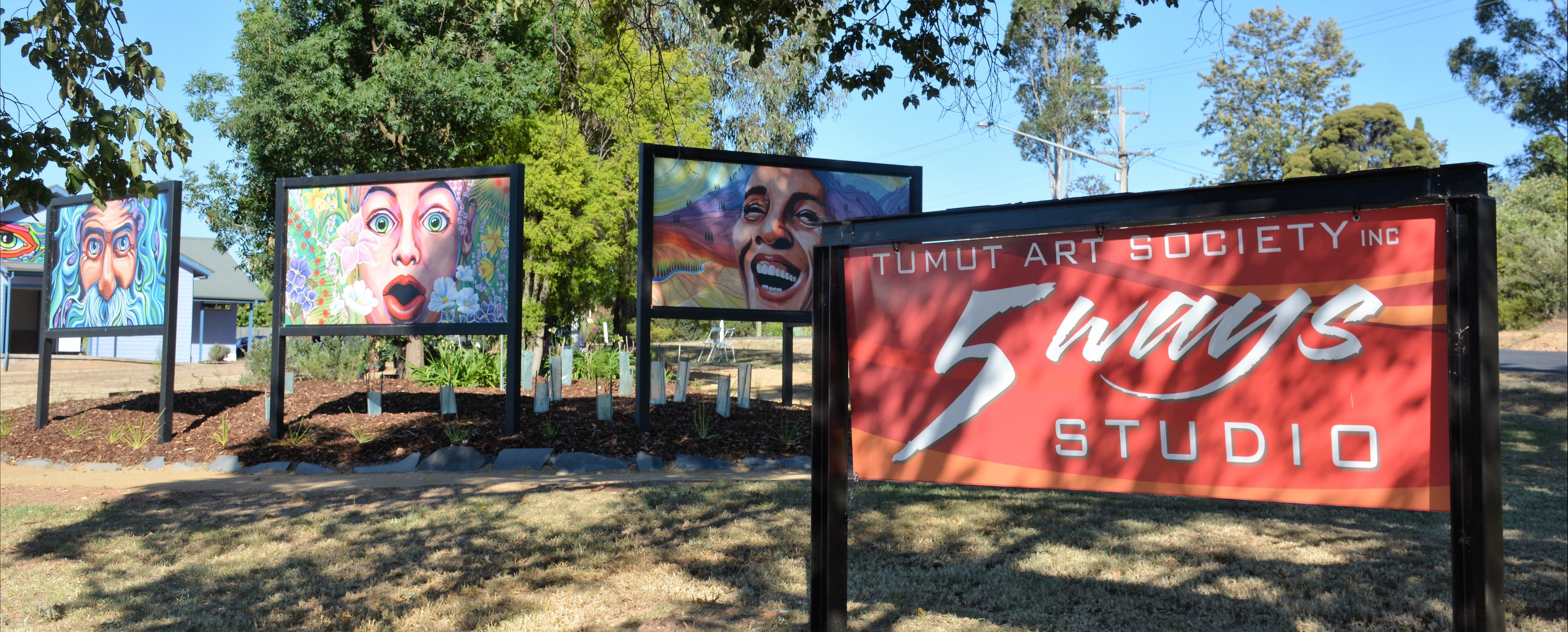 Tumut Art Society 5Ways Gallery - Geraldton Accommodation