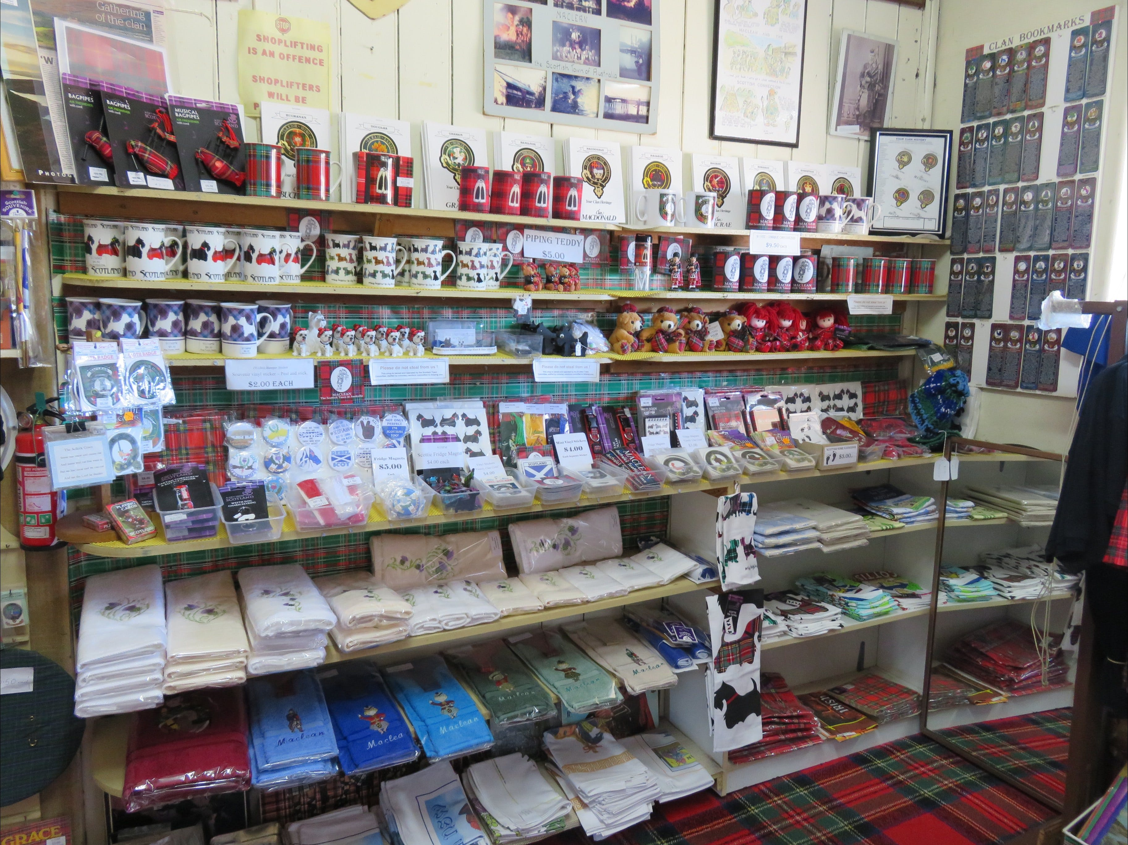 Maclean Scottish Shop - Geraldton Accommodation