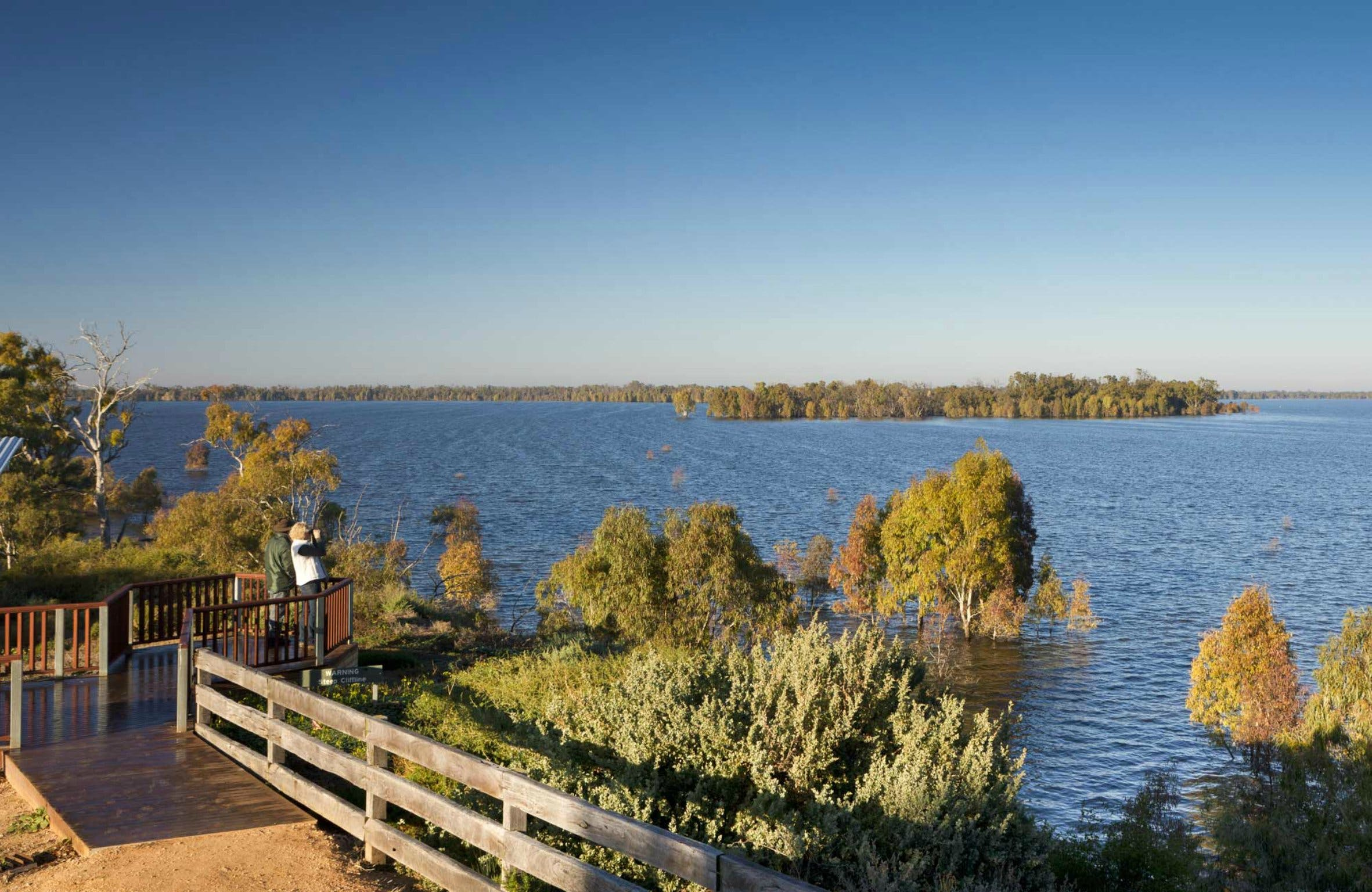 Yanga Lake Viewing Deck - Geraldton Accommodation
