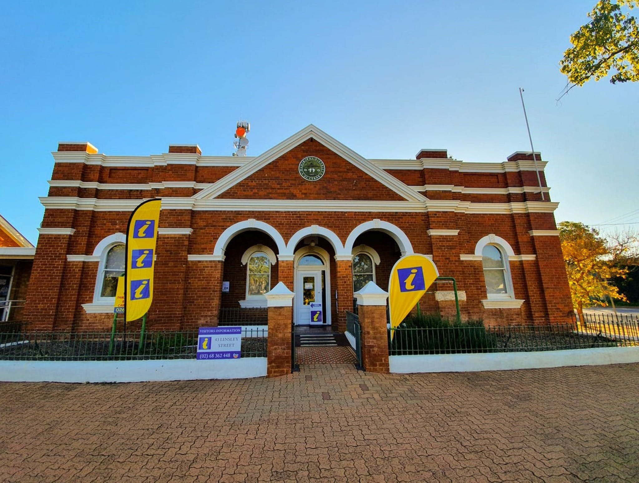 Cobar Visitor Information Centre - Geraldton Accommodation