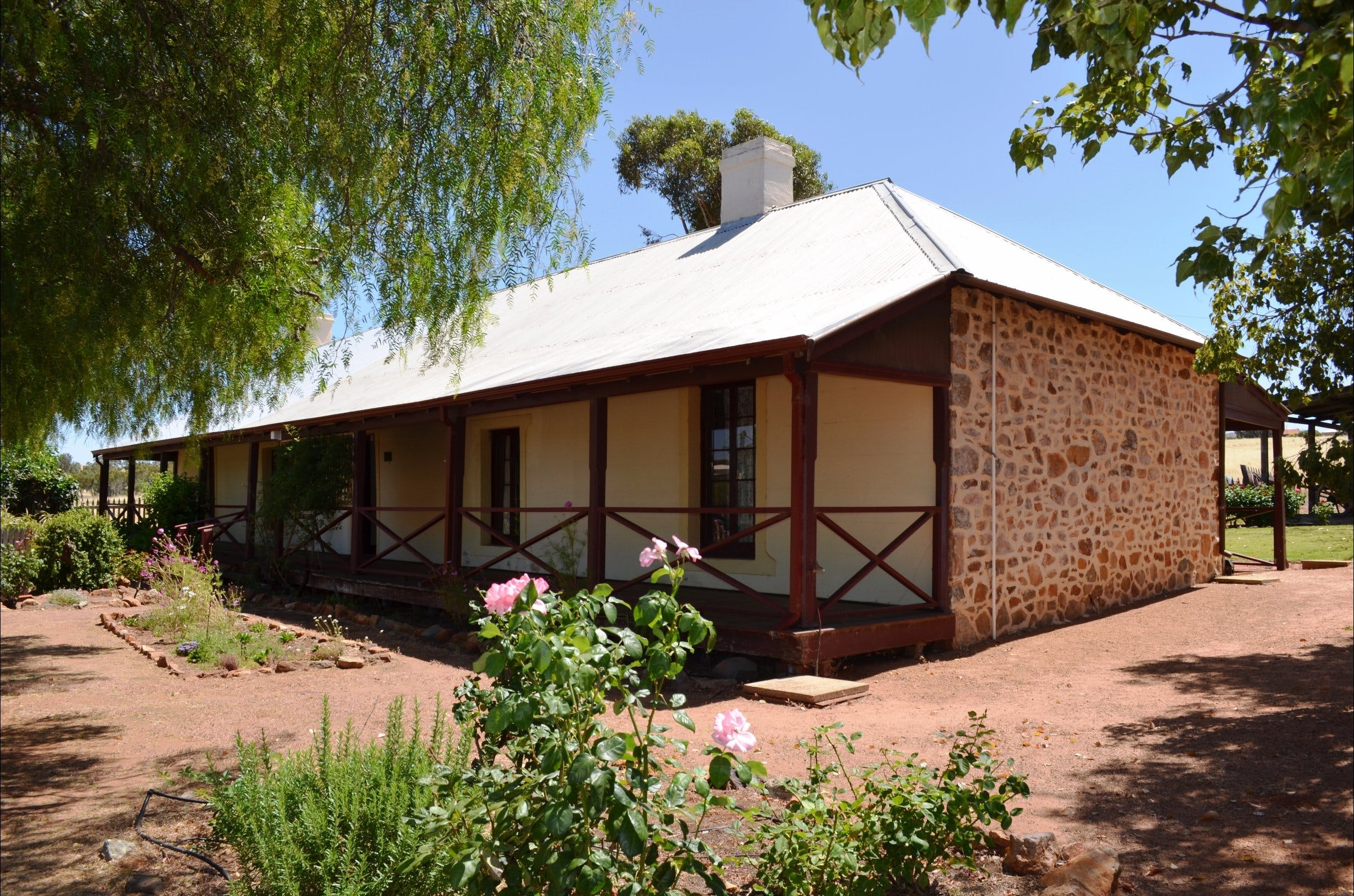 Morby Cottage - Geraldton Accommodation