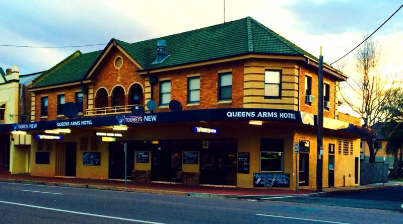 Queens Arms Hotel - Geraldton Accommodation