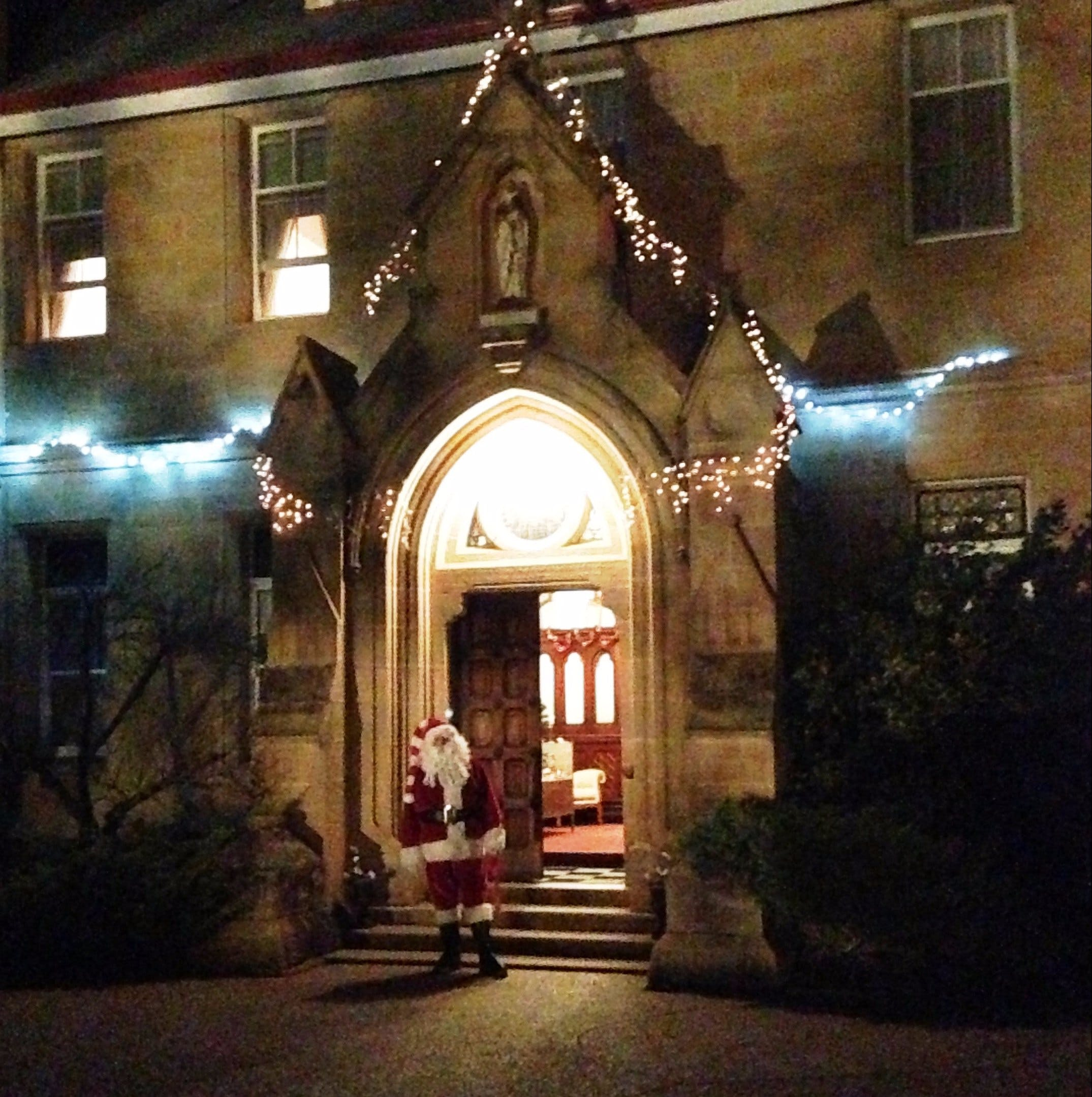 Abbey of the Roses - Christmas in July - Geraldton Accommodation