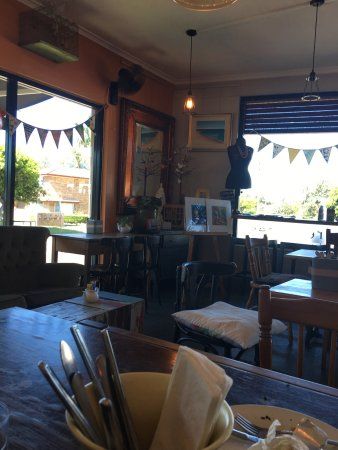 Two Birds Gallery Cafe - Geraldton Accommodation