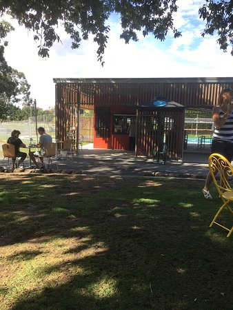 Gardens Lake Cafe - Geraldton Accommodation