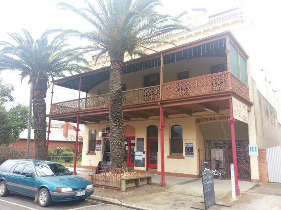 Royal Hotel Dunolly - Geraldton Accommodation