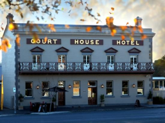 The Courthouse Hotel Bistro - Geraldton Accommodation