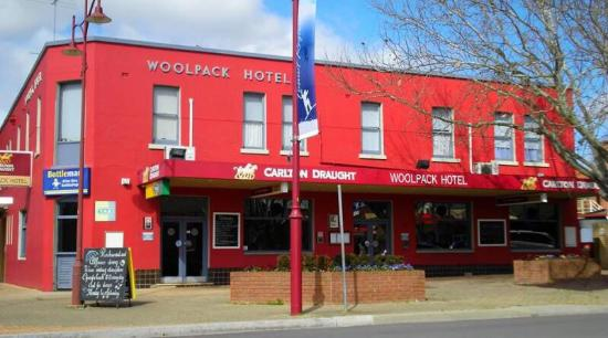 Woolpack Hotel Tumut - Geraldton Accommodation