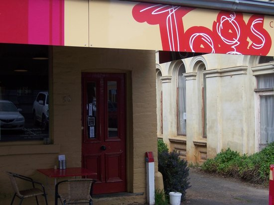 Tog's Place - Geraldton Accommodation