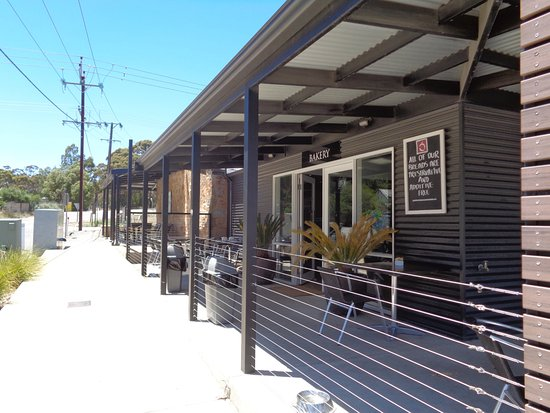 The Little Red Grape - Geraldton Accommodation