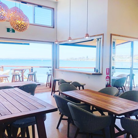 Oyster HQ - Geraldton Accommodation