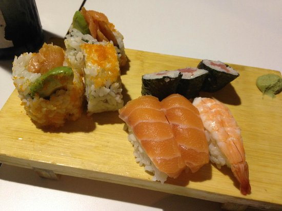 Tsuru Sushi Cafe - Geraldton Accommodation
