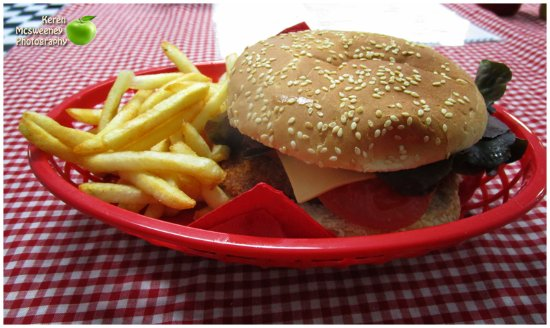 Mel's Diner  takeaway - Geraldton Accommodation