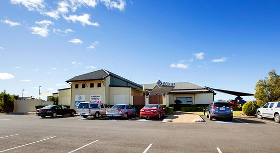 Highfields Tavern - Geraldton Accommodation