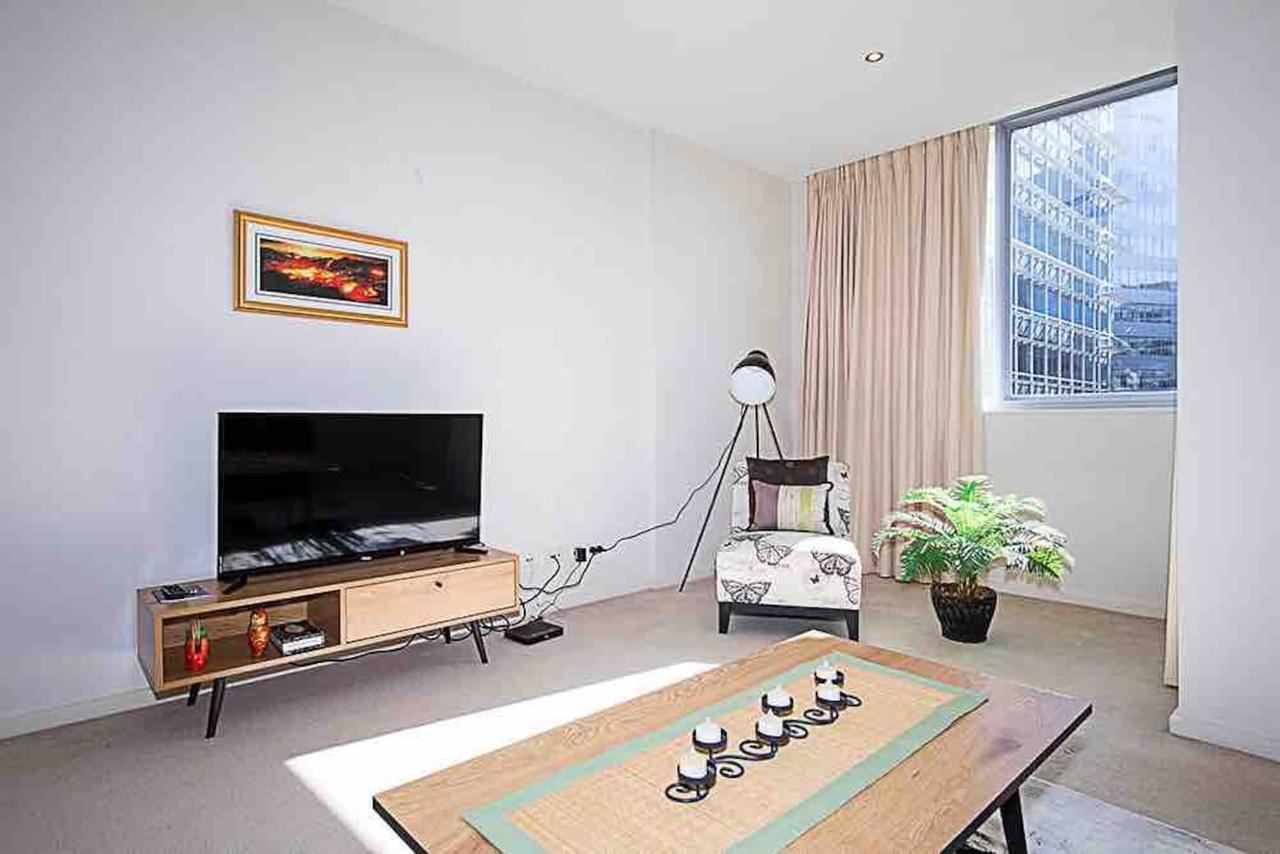Spacious 1BR Stylish New Acton Apartment Parking - Geraldton Accommodation