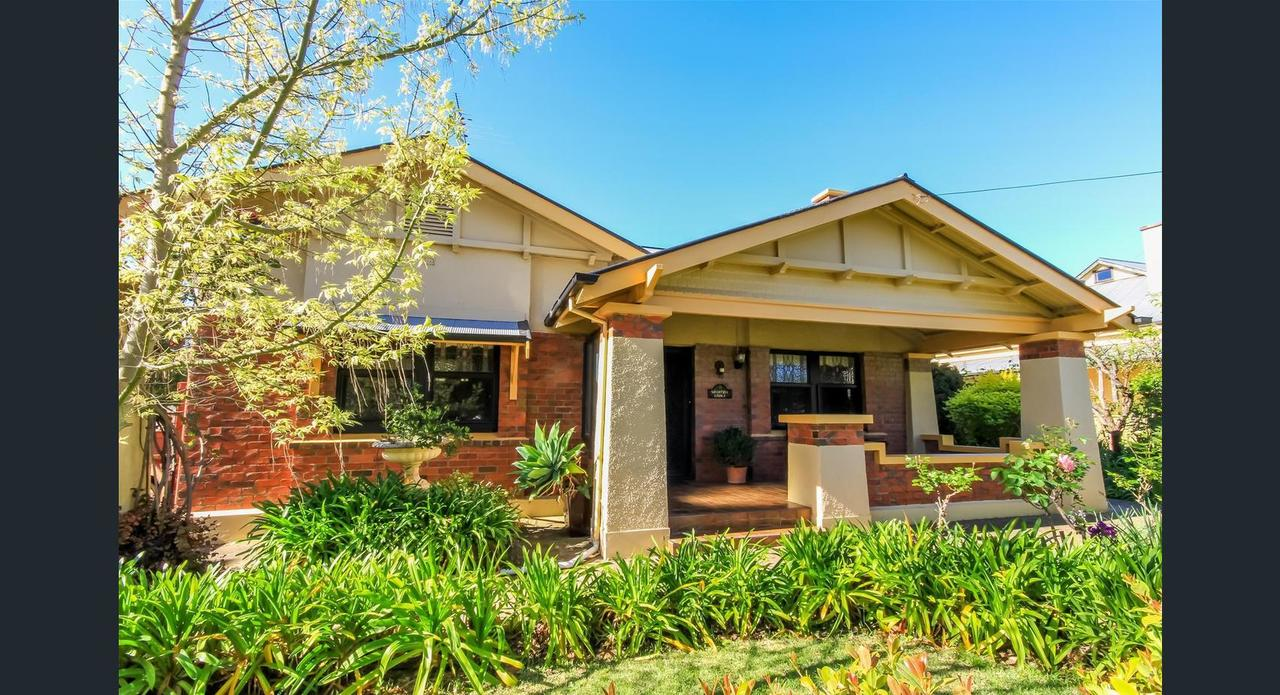 Ambrosia Holiday Home - Geraldton Accommodation
