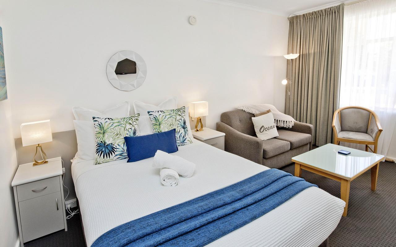Glenelg Oasis Studios - Geraldton Accommodation
