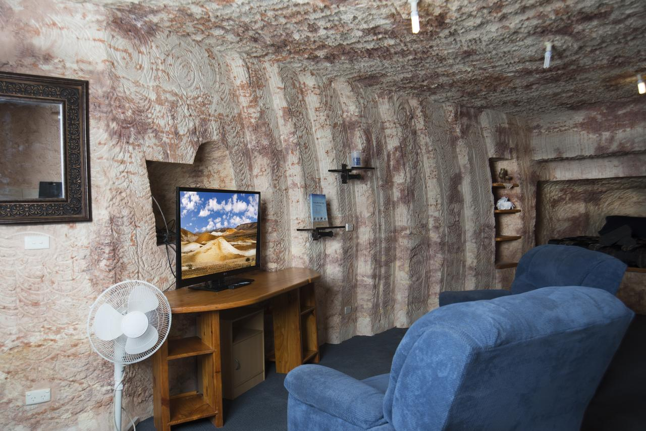 Ali's Underground - Geraldton Accommodation