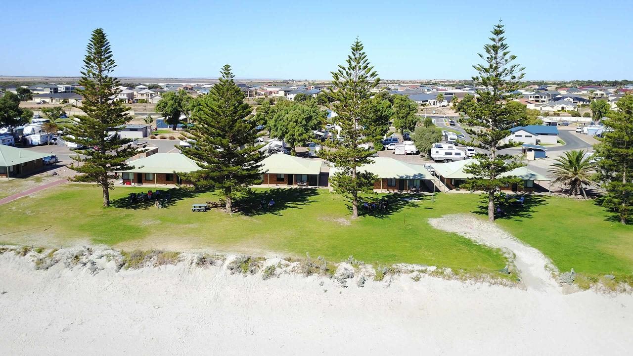 Wallaroo Holiday Park - Geraldton Accommodation