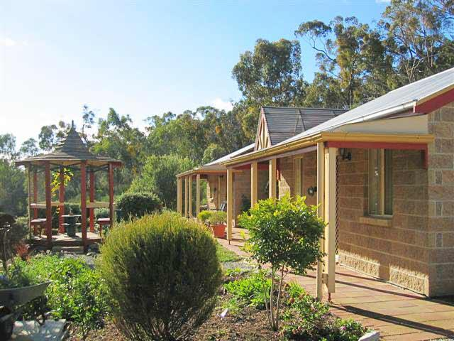 Riesling Trail  Clare Valley Cottages - Geraldton Accommodation