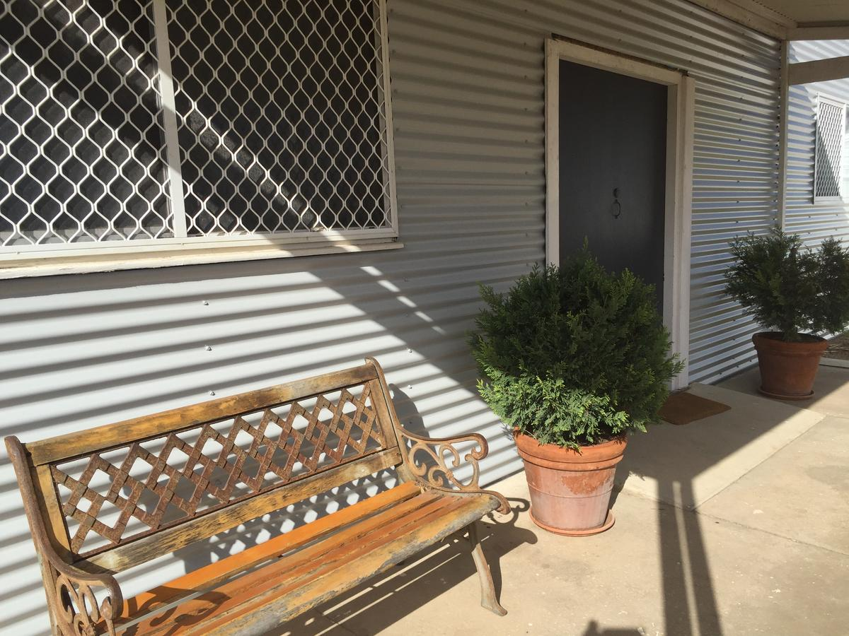 35 Trevena Road - Geraldton Accommodation