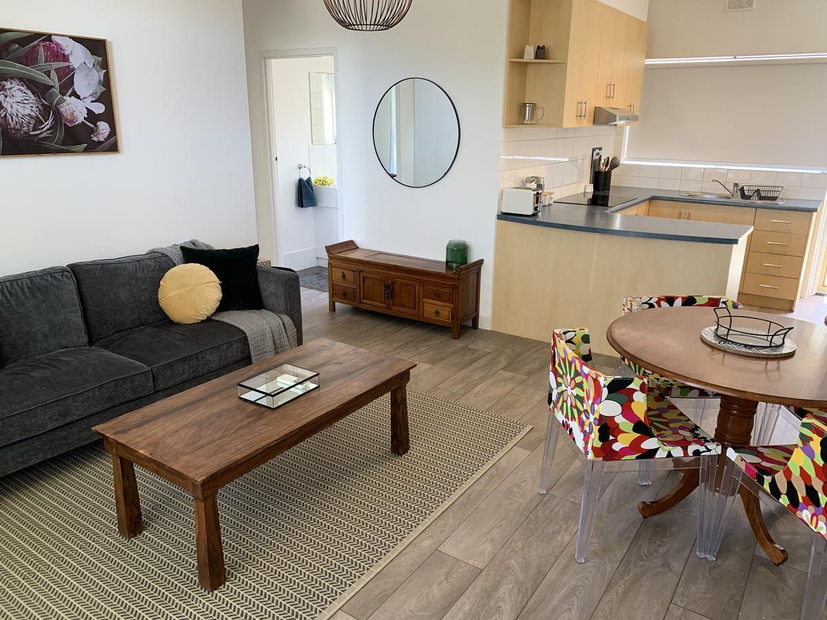 Sunshine Four - Geraldton Accommodation