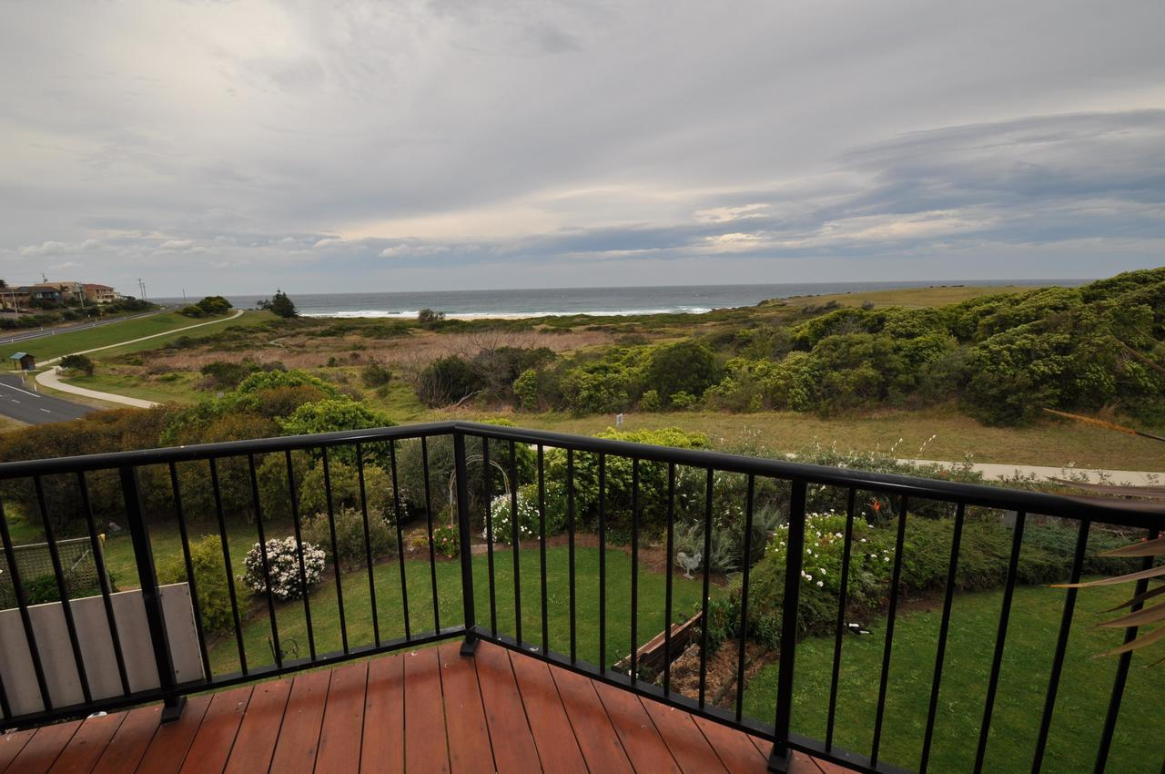 Beachfront Apartments - Geraldton Accommodation