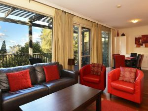 Villa Cypress located within Cypress Lakes - Geraldton Accommodation