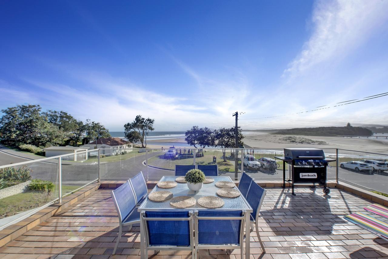 The Rotunda  Gerroa - Pet Friendly Beachfront - Geraldton Accommodation