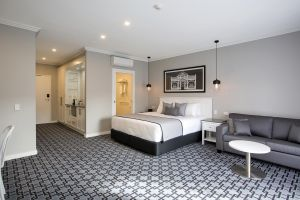 CH Boutique Hotel - Geraldton Accommodation