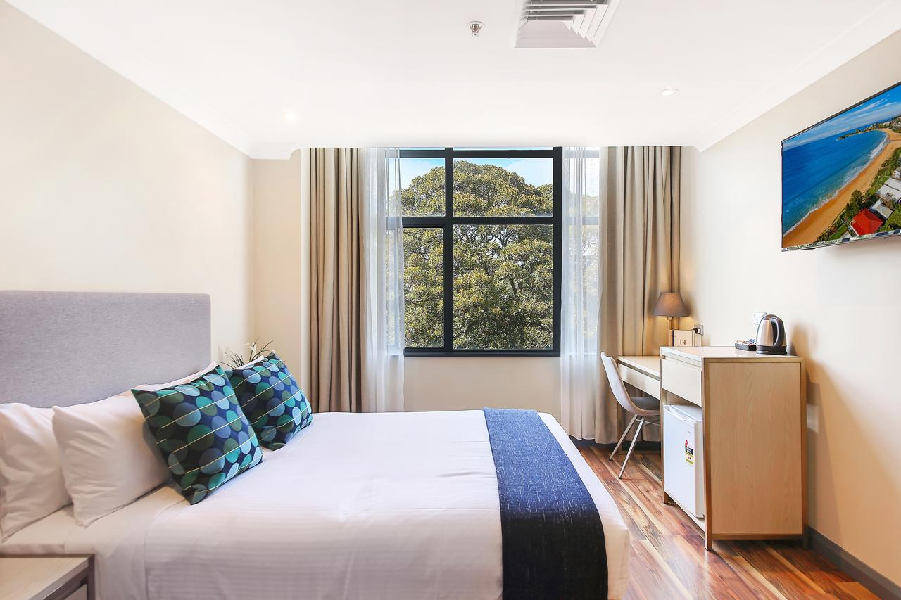 Ryals Hotel - Broadway - Geraldton Accommodation