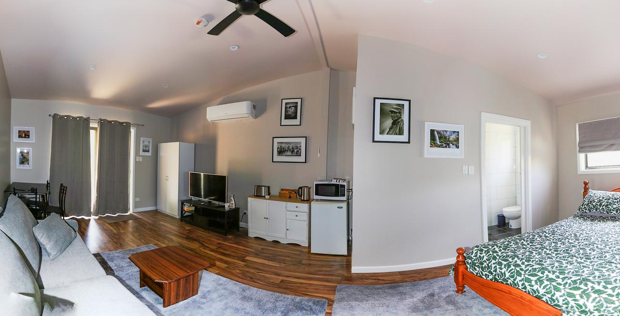 Pound Creek Gallery - Geraldton Accommodation