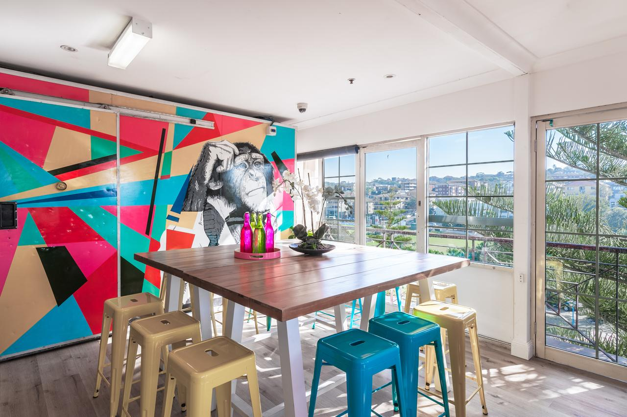 Mad Monkey Coogee Beach - Geraldton Accommodation
