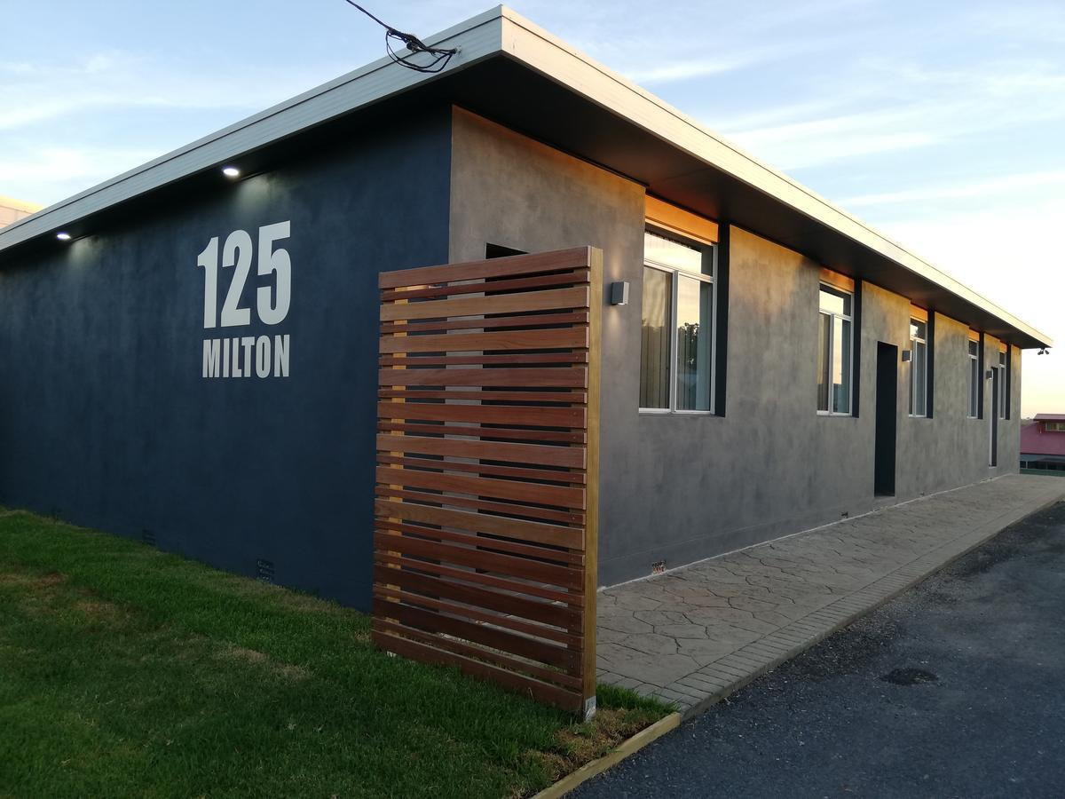 125 Milton - Geraldton Accommodation