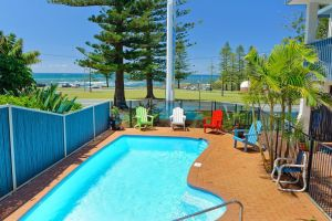 Beach House Holiday Apartments - Geraldton Accommodation