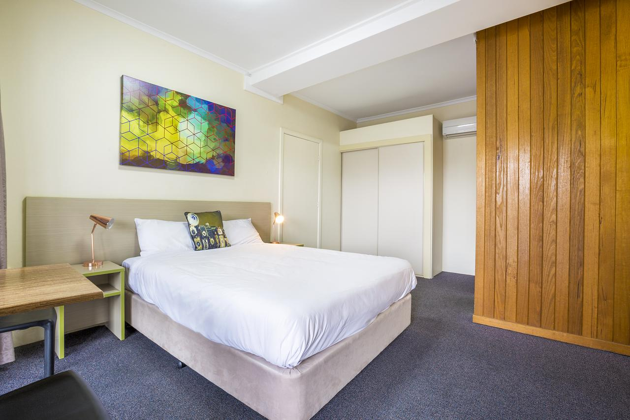 Boomerang Hotel - Geraldton Accommodation