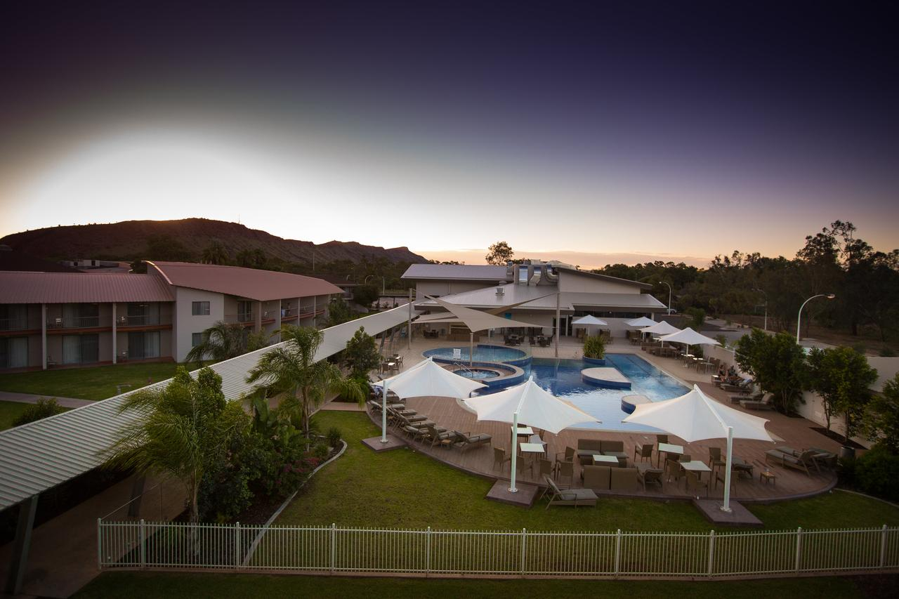 Crowne Plaza Alice Springs Lasseters - Geraldton Accommodation