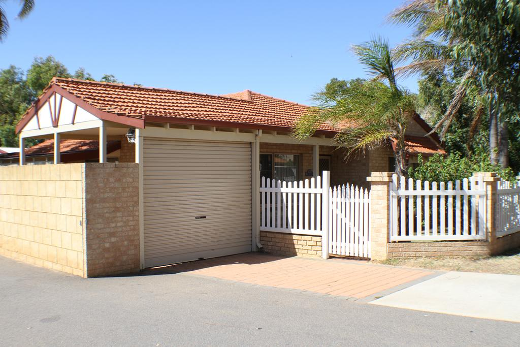 Geraldton Luxury Retreat 2 - Geraldton Accommodation